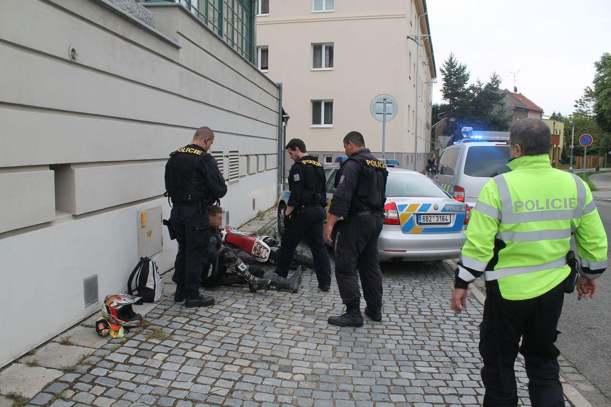 http://www.policie.cz/SCRIPT/ViewImage.aspx?id=780320&docname=1.JPG