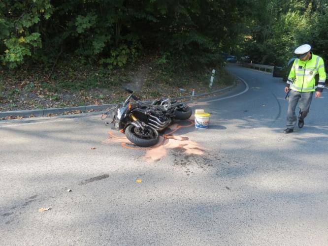 DN motocykl a šetřící policista DI