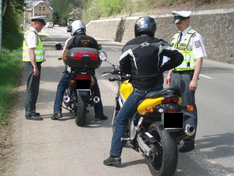Silniční kontrola motorkáře 1