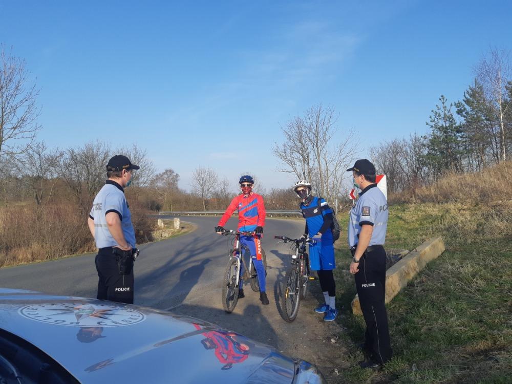 1 Informování cyklistů na Unhošťsku.jpg